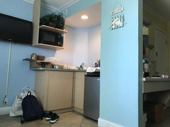 Pelican Pointe Hotel and Resort: Una mini cocina muy practica para desayunar o improvisar alguna comida en el mismo hotel