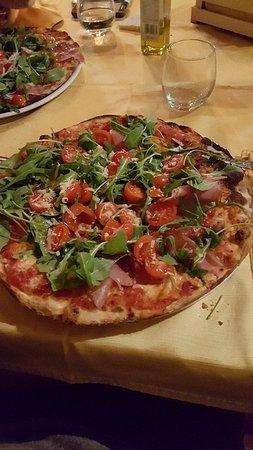 Scoppito, إيطاليا: 20180411_211832_large.jpg