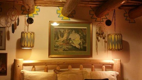 La Dona Luz Inn, An Historic Bed & Breakfast: Bedroom Native Art
