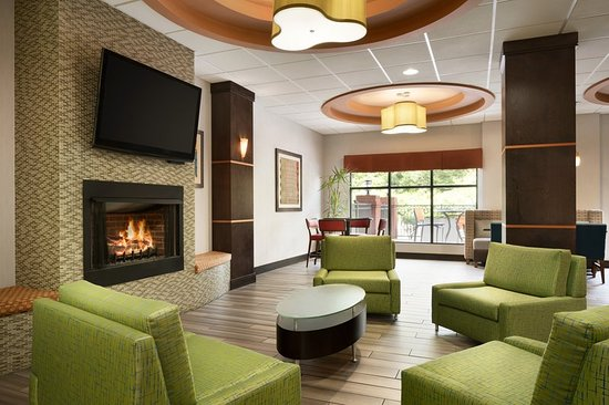 Holiday Inn Express Knoxville Strawberry Plains: Lobby