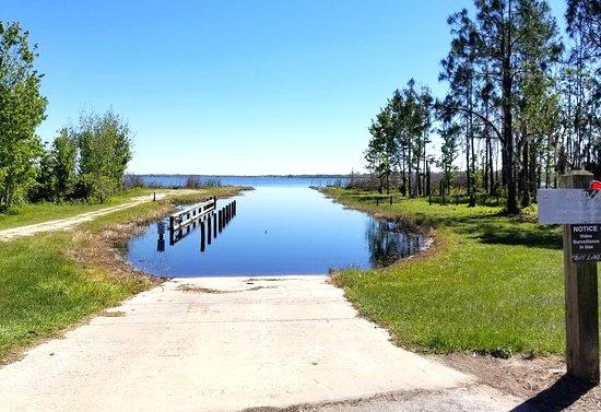 Polk City, FL: Boat Ramp from Resort into Lake Mattie