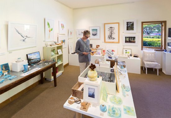 Norfolköarna, Australien: Gallery Guava Norfolk Island - displaying a beautiful selection of quality works by local artist
