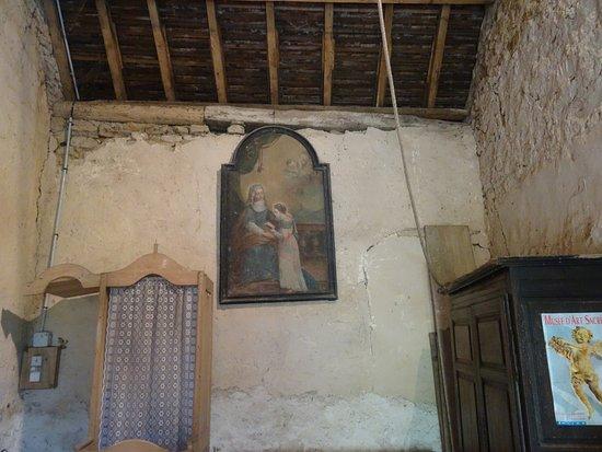 Brianny, France: Entrée de la chapelle