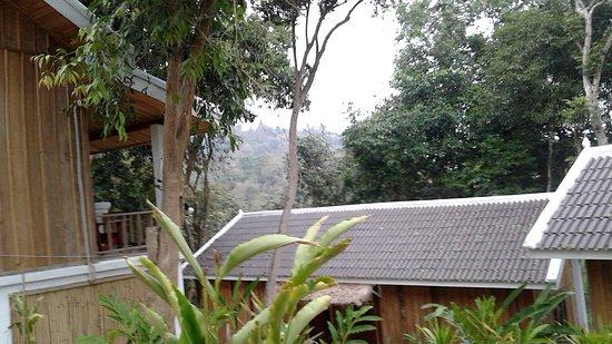 Ban Xieng Lom, Laos: 2ème chambre à gauche et vue imprenable sur les toits