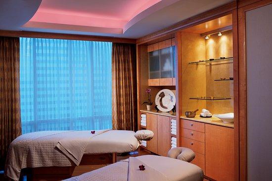 The Ritz-Carlton Spa: Enjoy relaxing massages and seasonal treatments