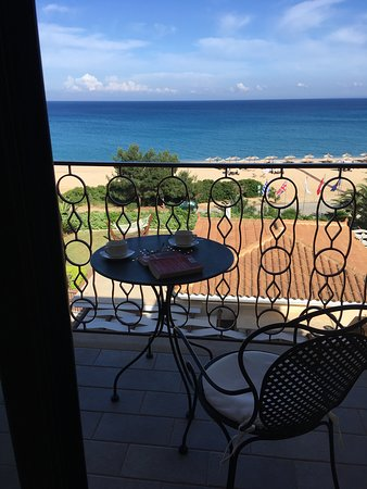 Regina Dell Acqua Resort: Sea view from room 704