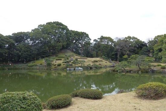 Kiyosumi Teien: Naka-no-shima view to Fuji-san