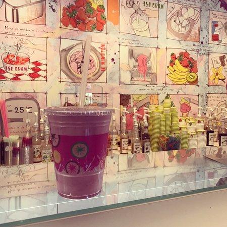 Zwanenburg, Países Bajos: Wij verkopen elke dag vers gedraaid ijs zowel room als sorbet smaken.