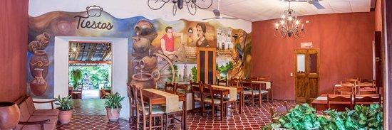 Ilobasco, เอลซัลวาดอร์: Este es el salón principal del restaurante, adornado con motivos típicos del lugar!