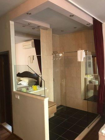 Hotel Tragos : Room bathroom
