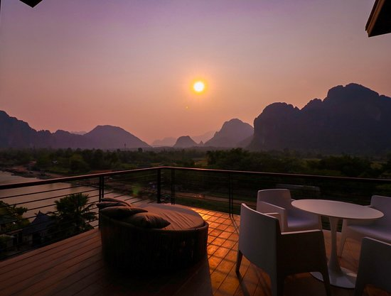 Inthira Vang Vieng: Sunset view from one of our suite