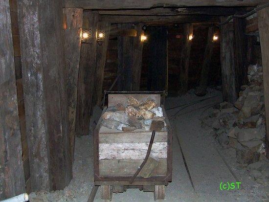 Reefton, New Zealand: Tunnel replica