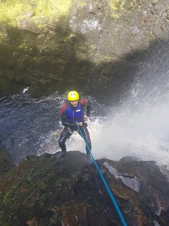 Client learing about Extreme Canyoning