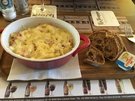 macaroni met ham en kaas. - photo de den toogoloog, middelkerke