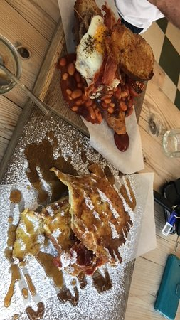 Rousdon, UK: FAB BRUNCH