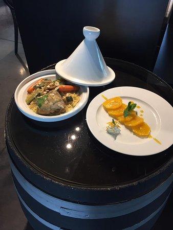 O Bout d'Istres: Tajine de poulet aux amandes et salade d'oranges
