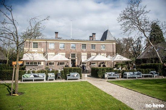 Delden, Ολλανδία: Een prachtig terras met uitgebreide lunchkaart