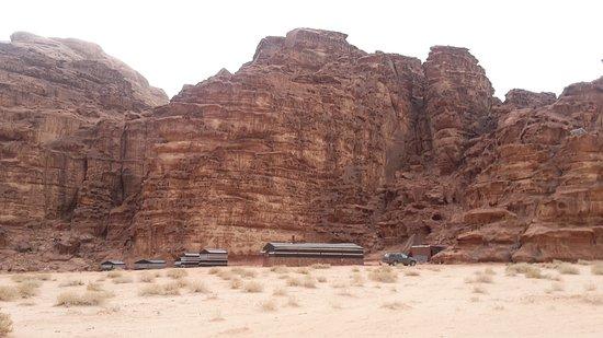 Wadi Rum Village, จอร์แดน: Mars valley camp