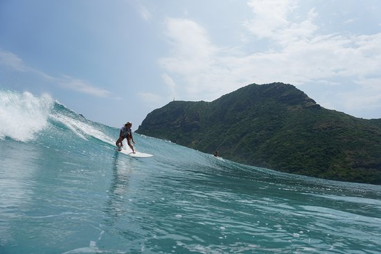 Tibubeneng, Indonesien: Awesome trip with the Salted Surf Crew to Submawa! Can't wait to come back to Bali and surf w u