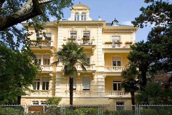 HOTEL WESTEND ab € 114 (€̶ ̶1̶7̶4̶): Bewertungen, Fotos ...