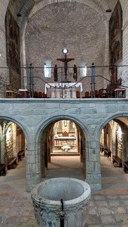Roda de Isabena, إسبانيا: cripta y altar mayor
