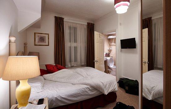 Northfleet, UK: Room