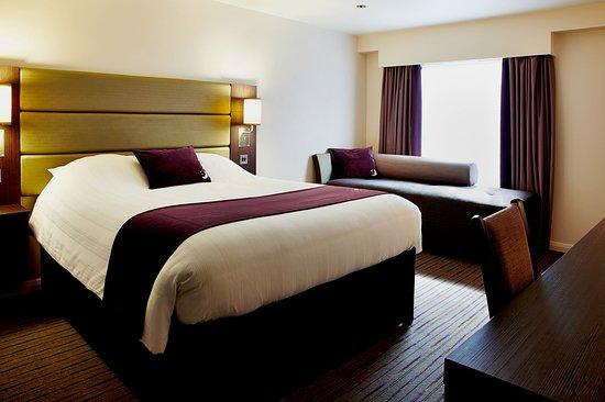 Premier Inn London Hayes, Heathrow (South Hyde Park) Hotel