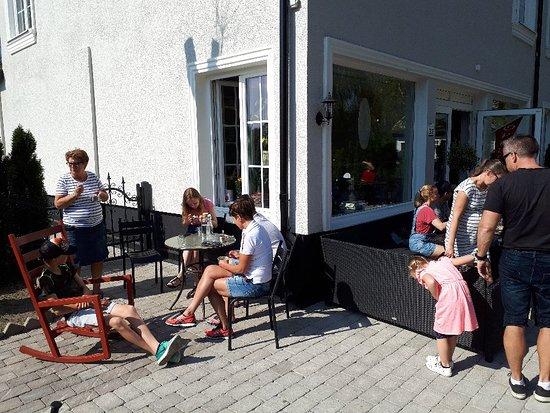 Sollentuna, Σουηδία: Edsvikens Piazza