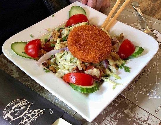 Son en Breugel, The Netherlands: Salade met Camenbert