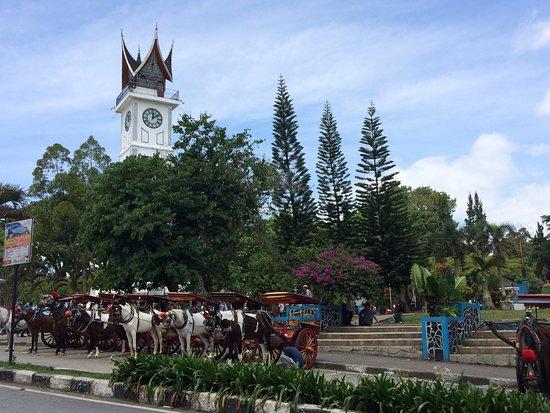 Bukittinggi Clock Tower: De toren met haar paardentaxi's