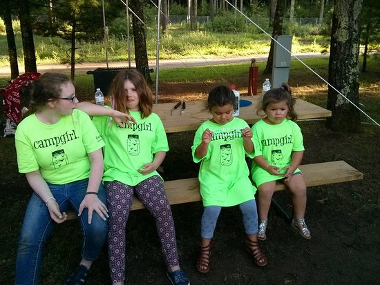Wild Rose, WI: Cousins on our last trip to Evergreen! They are #campgirls!