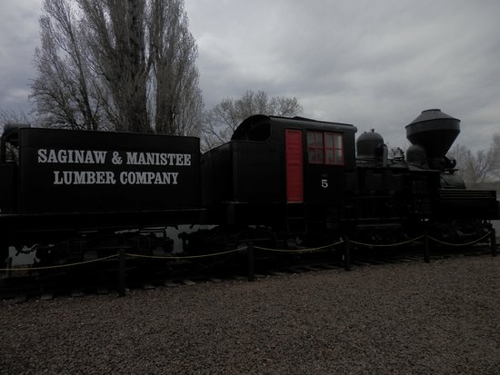 Williams Depot: A wood-fuelled steam engine, with the big exhaust system to prevent the escape of sparks