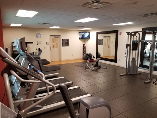 Moon Township, PA: Workout room from other corner.