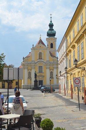 Györ, Ungarn: Becsi Kapu Square