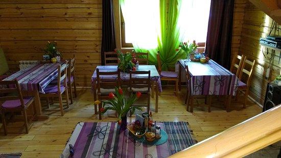 Irkutsk, Russia: 8 Марта в уютной столовой гостевого дма