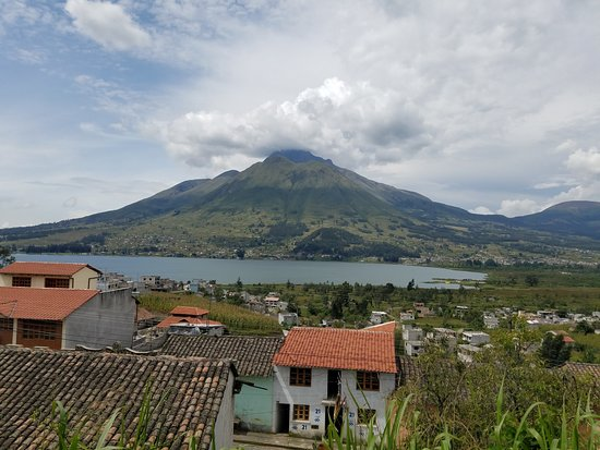 San Rafael, Ecuador: VIEW FROM THE BACK