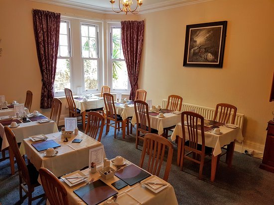 Kingsholm Hotel: Individual tables in our Breakfast Room