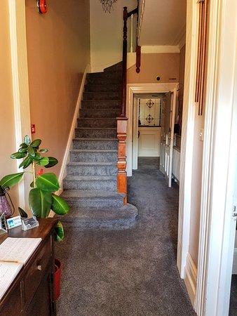 Kingsholm Hotel: The Entrance Hallway