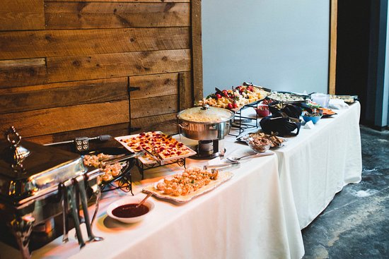 Atenas, GA: Choose any local caterer for your custom occasion.