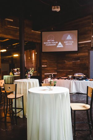 Atenas, GA: The Parlor is an intimate space for gathering friends & family for a party or cocktail reception