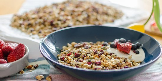 Saint-Savin, France: Homemade granola is available sometimes for breakfast