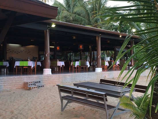Ko Kho Khao, Thailand: Hotelrestaurant am Strand