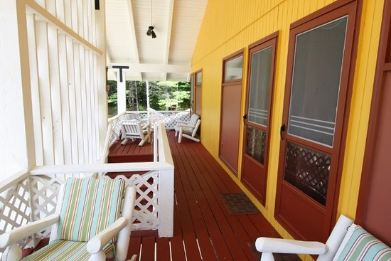Londonderry, VT: Upstairs shared balcony