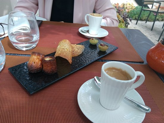 Acquigny, France: Mignardises