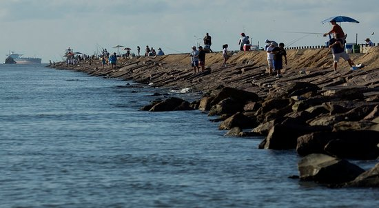 Surfside Beach, TX: The Surfside Jetty is a great spot for fishing