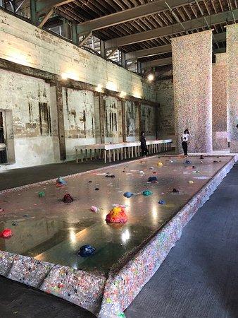 Cockatoo Island, Australien: Biennale exhibit