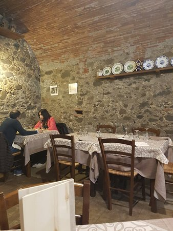 Gragnano, إيطاليا: 20180511_212306_large.jpg