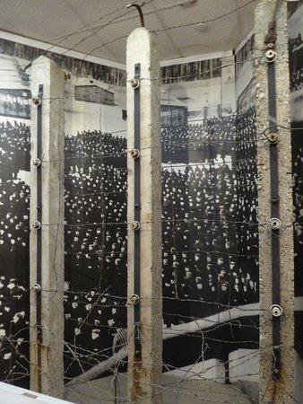 Newport News, VA: Dachau Walls