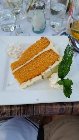 Hendel's Restaurant: White chocolate creamsicle cake