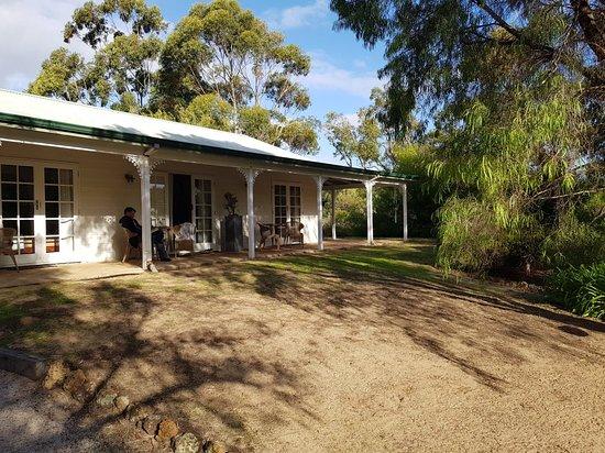 Llewellin's Guest House: 20180507_152529_large.jpg